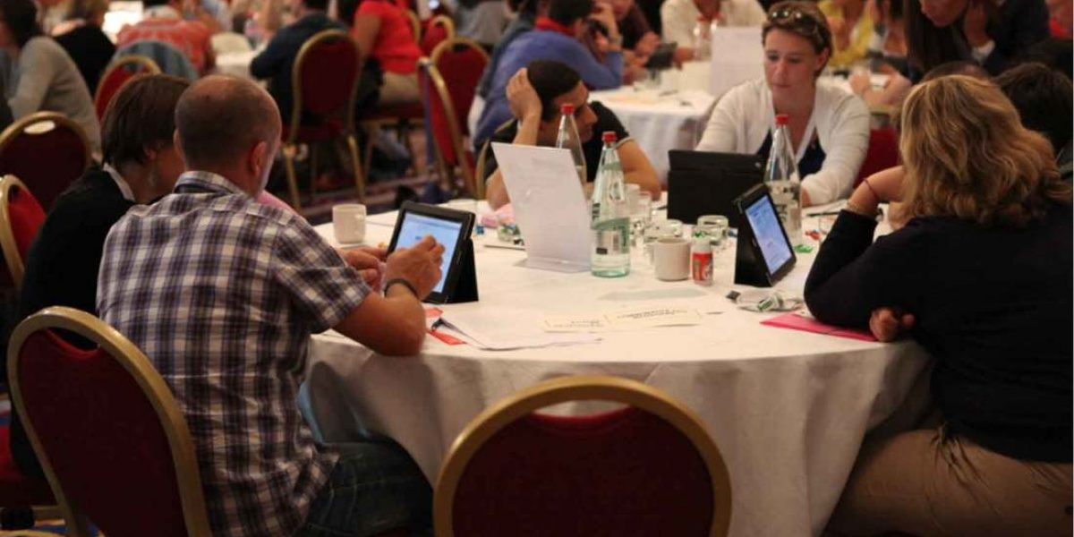 Use technology in meetings